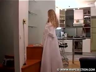 Femme super-sexy baisée dur par un garçon pervers avant le mariage cutegirlsxxx.tk