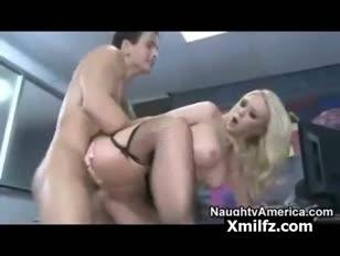 Xnxx homme et sa sœur