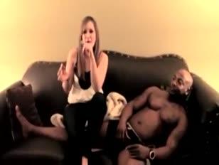 Je veux télécharger rapidement des videos xxx de femmes aux gros seins et grosses fesses