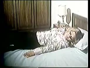Femme qui se fait défoncer le vagin