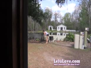 Un jardinier gal éjacule à l'intérieur pour vous attraper et prendre un creampie