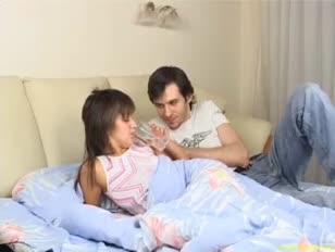 Elle tombe enceinte de son frere porno