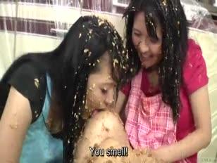 Sous-titrés extrême lesbiennes asiatiques natto sploshing